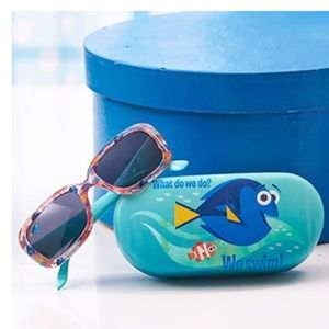 NWT! Girls Dory Sunglasses with Matching Case Set
